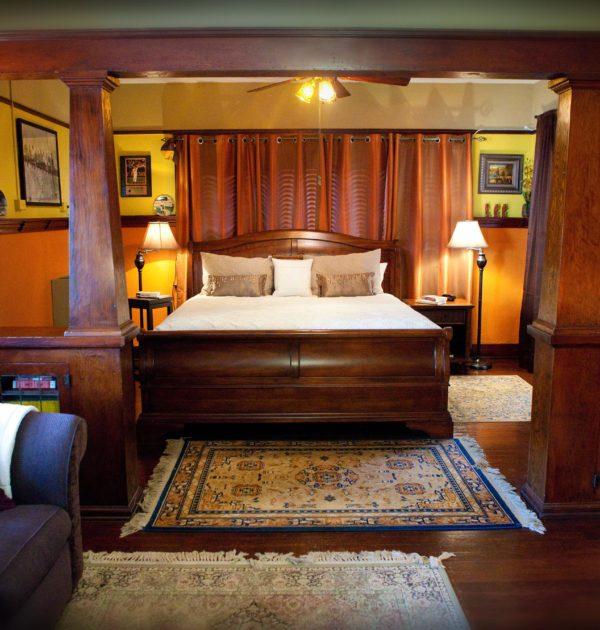 Mudville Flats Room